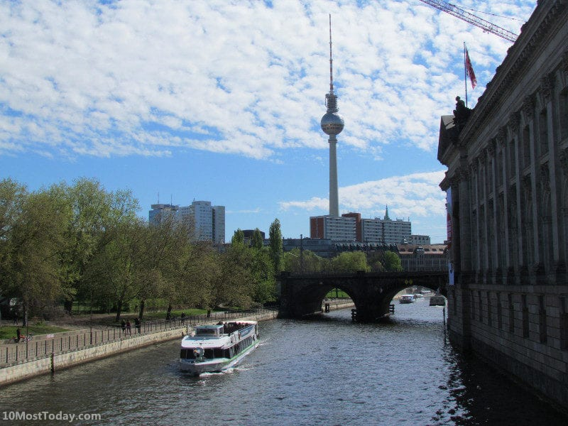 The Spree River with the Berlin TV Tower in the background, Berlin, Germany