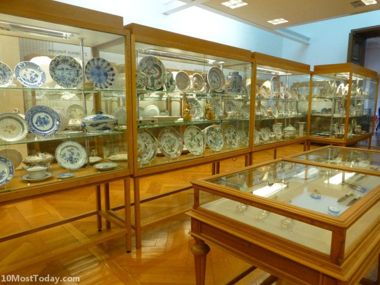 Best Attractions In Geneva: Ariana Museum