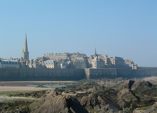 Saint Malo seen from outside the town walls