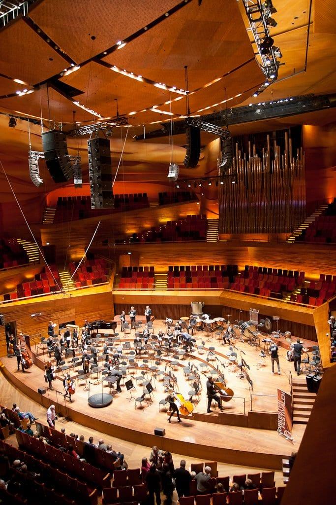 Dr Byens, Concert Hall