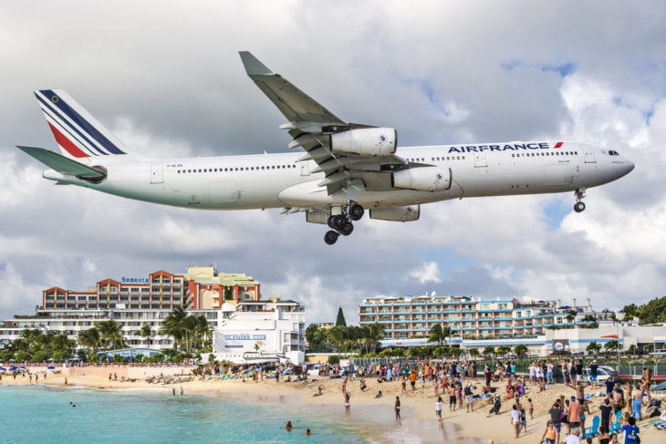 Most dangerous airport - Princess Juliana International Airport